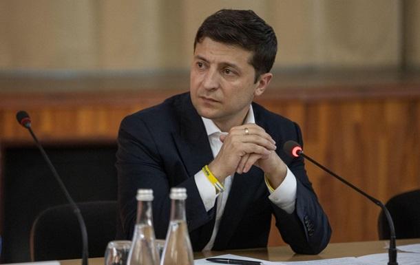 «Я лично обращаюсь к каждому»: Зеленский за рулем Tesla записал новое важное обращение к украинцам