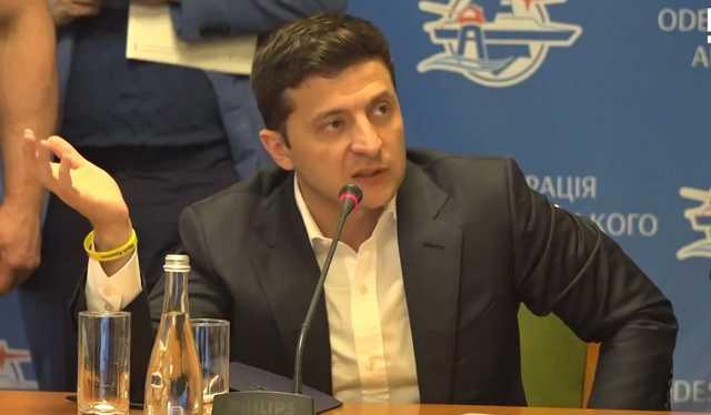 «Вы нас всех считаете идиотами?»: Зеленский в Одессе поставил на место главного фискала и объявил конкурс на главу ОГА