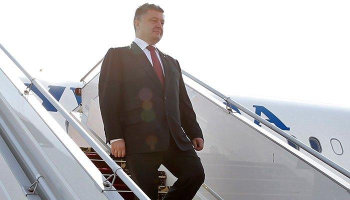 «Сразу после допроса?» Порошенко с семьей покинул территорию Украины. Отказался от госохраны — СМИ