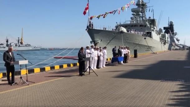 «Пойдут и против волн и поднимут знамя победы»: Зеленский в Одессе трогательно обратился к морякам