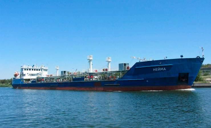 А наши ребята до сих пор в плену: СБУ отпустила экипаж российского танкера блокировавшего украинские корабли