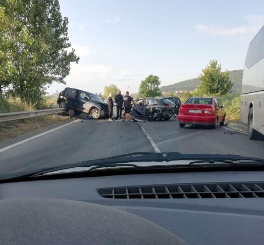 Возвращались с отдыха: В ДТП в Болгарии попали украинцы, погибла жена депутата