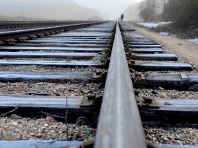 «Выпал из поезда»:  В Хмельницкой области трагически погиб 11-летний мальчик