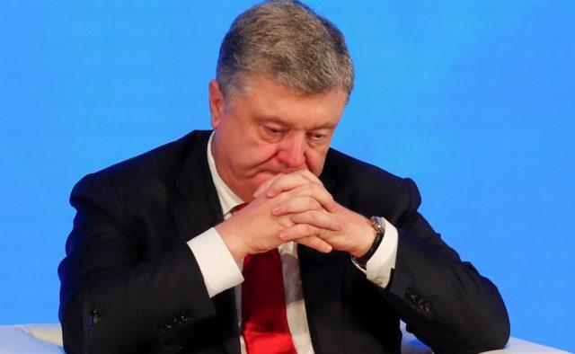Порошенко привел украинцев в бешенство циничным поступком: «забито последний болт»