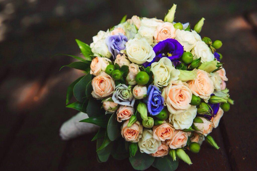 Букет невесты поймала Леся Никитюк: Известная украинская ведущая вышла замуж