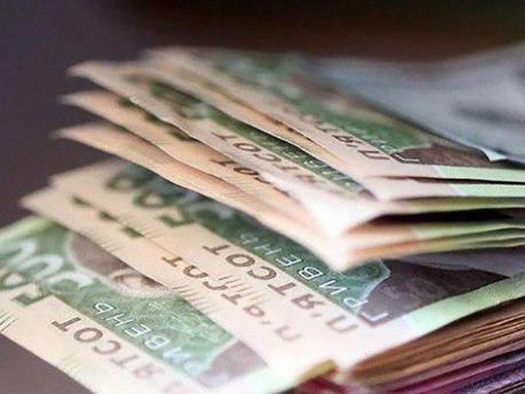 «Минималка 5500 и средняя 620 долларов»: Украинцам сообщили приятную новость. Уже совсем скоро