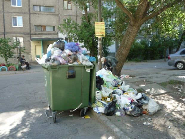 Увидела детскую ручку в контейнере для мусора: жестокая расправа над младенцем всколыхнула всю Украину