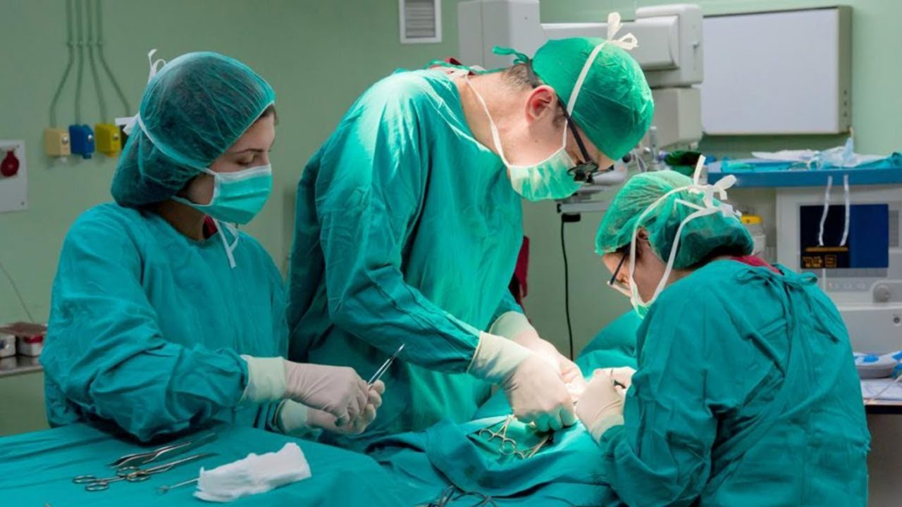 Состояние остается тяжелым: Вирастюк перенес экстренную операцию, близкие просят о помощи
