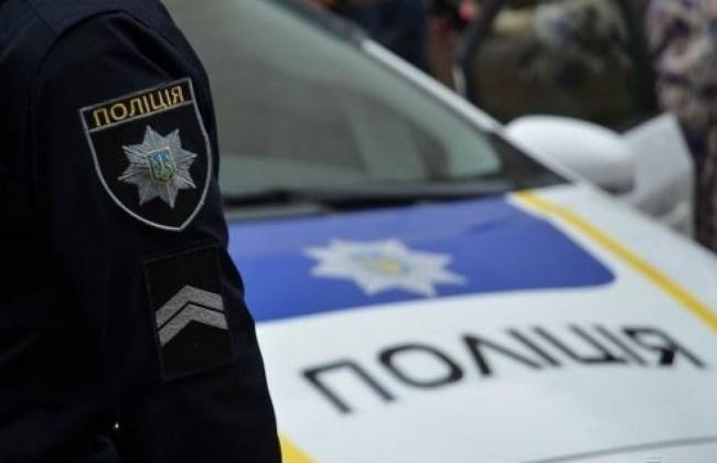 Прямо на пешеходном переходе: В Харькове автомобиль полиции сбил женщину и ребенка
