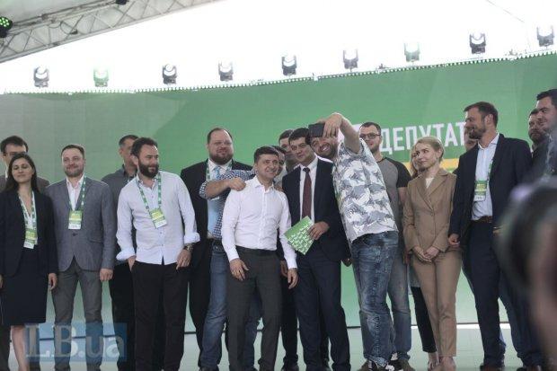 «С нетерпением жду нашей первой встречи»: Зеленский тепло обратился к новому премьер-министру