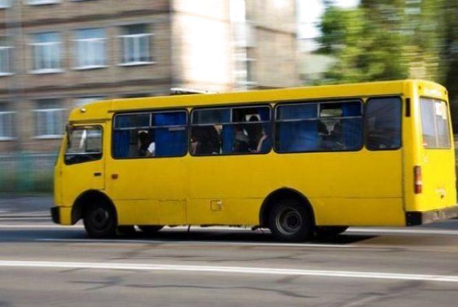Напился до невозможного и вышел на работу: Во Львове полиция задержала пьяного водителя маршрутки. Будет наказан