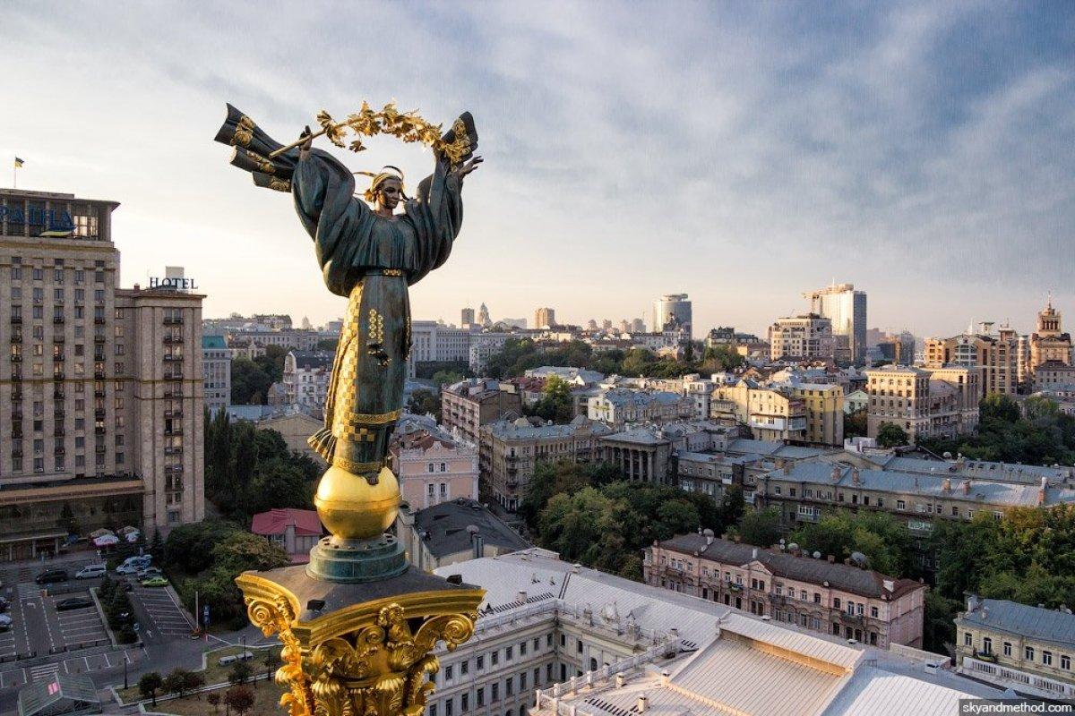Колокола вместо парада: у Зеленского согласовали план мероприятий ко Дню Независимости