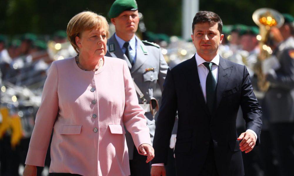 Судьбоносный разговор Зеленского с Меркель: возвращение России в G7, будущее Крыма и Донбасса