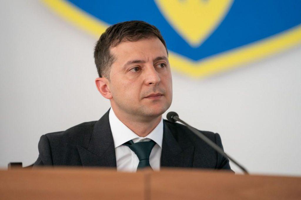 Больше некуда тянуть: Зеленский заявил, что имеет две кандидатуры на пост премьера. Они мне нравятся!