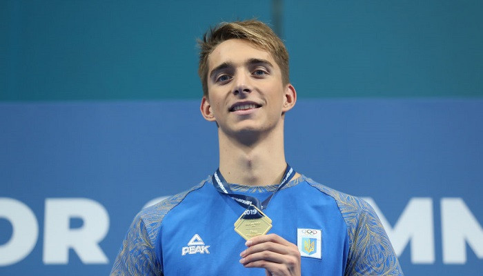 Сенсационный результат: Украинец завоевал «золото» на юниорском чемпионате мира по плаванию