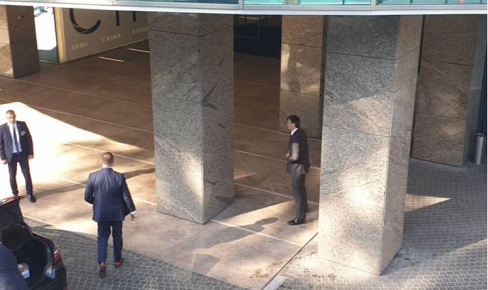 «» Будущее Авакова «: Зеленский провел закрытую встречу со» слугами народа «. Без телефонов и журналистов