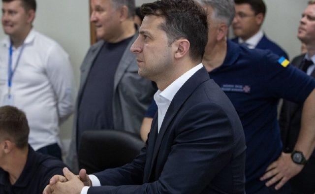 «Гнать в шею»: Украинцам показали «нового» премьера. Представляет угрозу для Зеленского