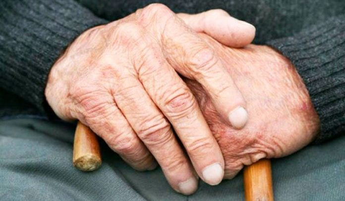Избивала пока не умер: во Львове девушка жестоко расправилась с пенсионером