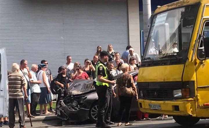 «Тело жертвы отлетело на дорогу»: В центре Львова автомобиль на скорости сбил женщину