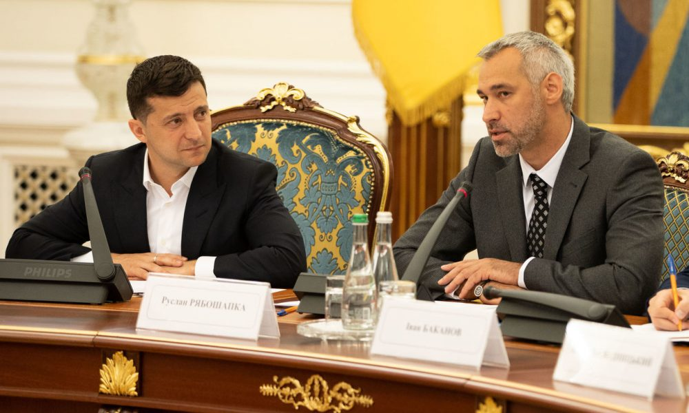 «Правая рука» Зеленского сделал неожиданное заявление о Крыме и Донбассе: что подумают люди?