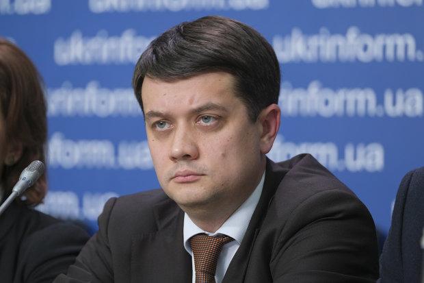 Невозможно: Разумков сделал громкое заявление о войне на Донбассе