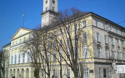 Земля лишь избранным: во Львовском городском совете чиновника поймали на «горячем»