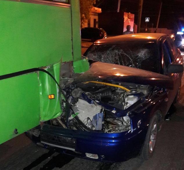 Снес его на всей скорости: в Харькове произошло жуткое ДТП