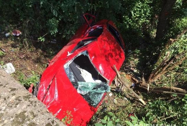 Ребенок за рулем! 12-летний водитель устроил ДТП на Закарпатье. Целая семья в больнице