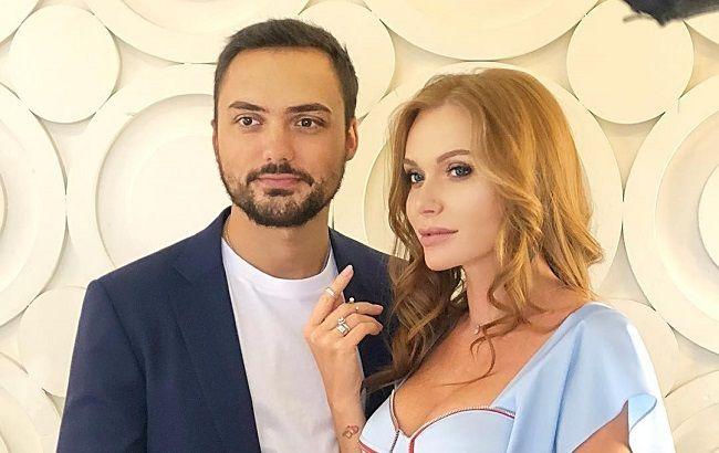 Слава Каминская после развода засветилась в компании нового красавчика. И он тоже врач