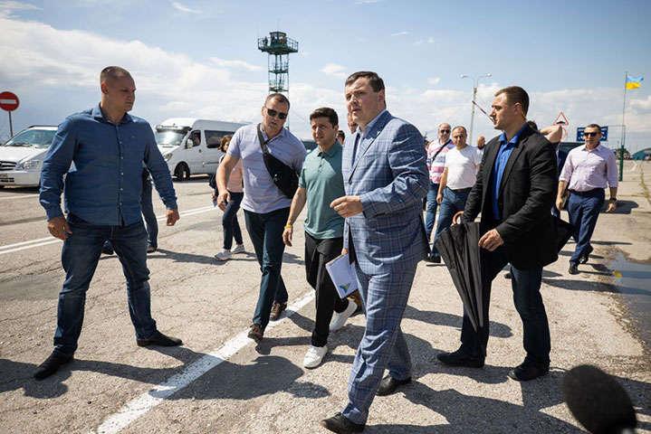 Зеленский взялся за всех силовиков, появилось заявление: «Если оторвать только голову заразы …»