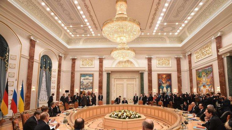 Важнейшие шаги для Украины! Завершилось заседание Трехсторонней контактной группы: о чем договорились