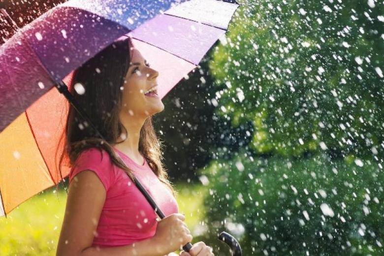 У кого проливные дожди, у кого невыносимая жара: какая погода будет в Украине уже завтра