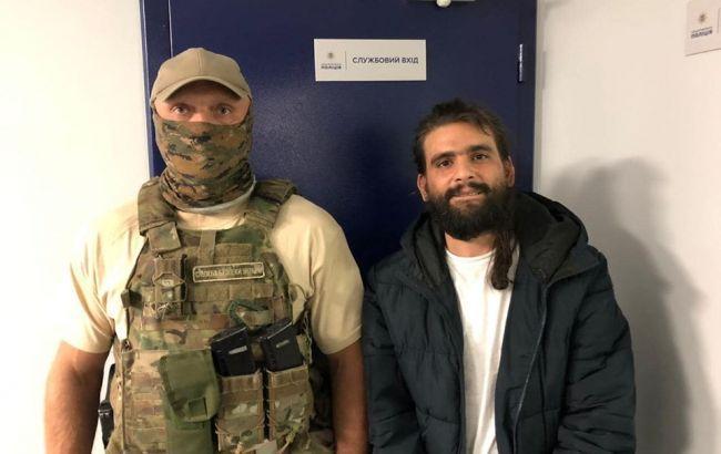 Это было проще простого: Появились кадры «бегства» наркобарона из «Борисполя». Просто в СБУ из-под носа!