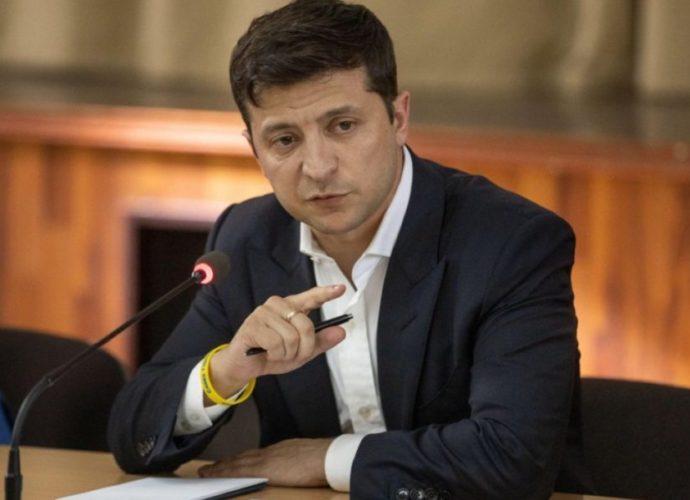 «Из-за возможной причастности к коррупции»: Зеленский уволил скандального чиновника и уже нашел ему замену