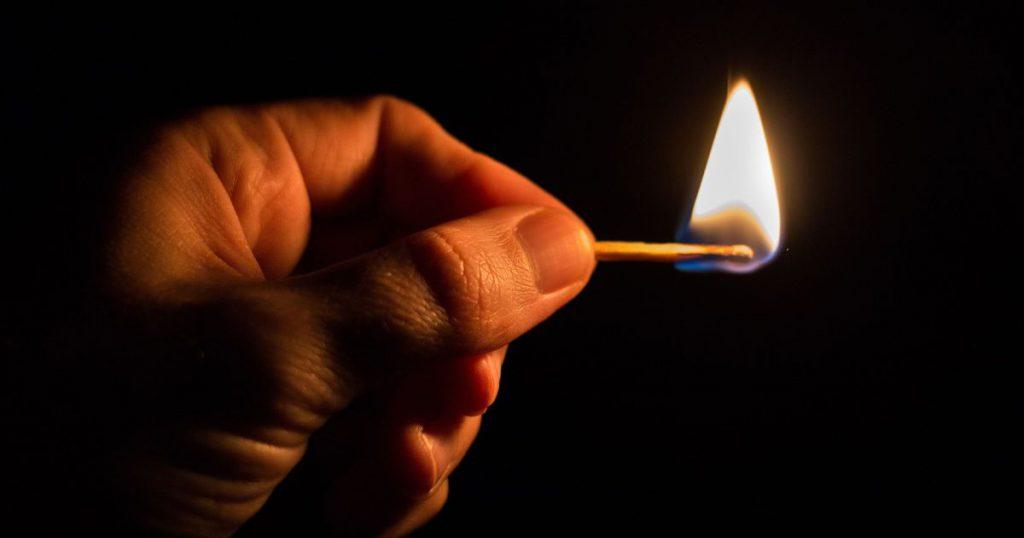 «Играли бензином и спичками»: в Днепре дети облили и подожгли 8-летнего мальчика. Ужасные подробности трагедии