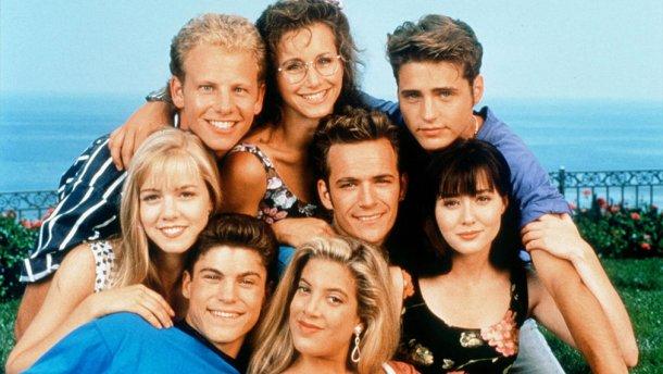 Долгое время скрывал болезнь даже от родных: Внезапно не стало звезды «Беверли Хиллз, 90210»