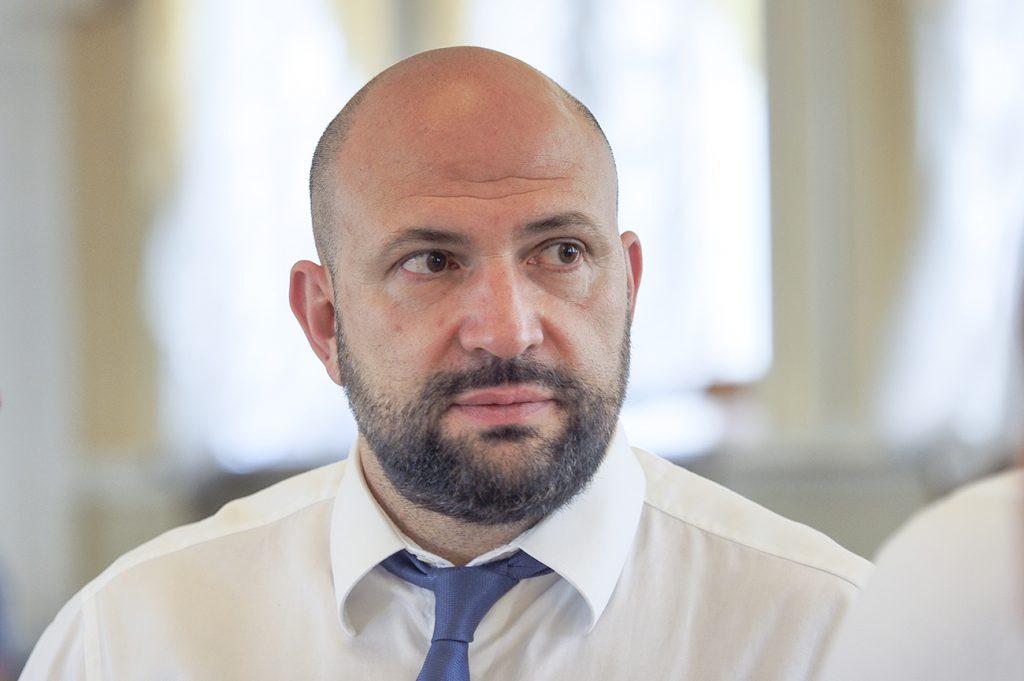 «Везде пригриеться»: борец с коррупцией Лев Парцхаладзе попался на горячем