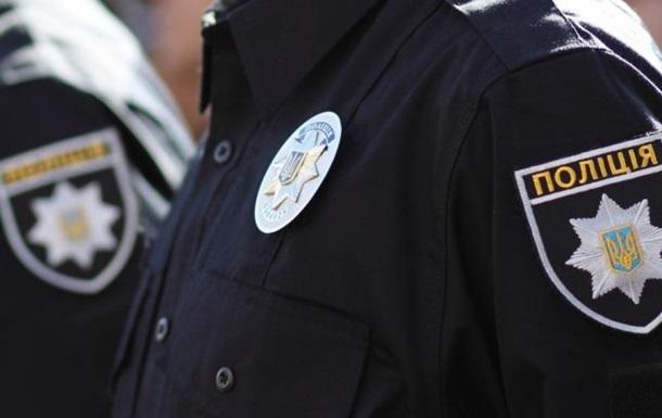 На Крещатике мужчина хотел совершить самоубийство: полицейский в течение 5 часов спасал ему жизнь