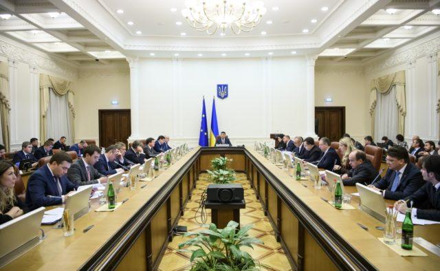Даже не мечтайте! Восстановление рейсов в Крым: в Кабмине уточнили детали
