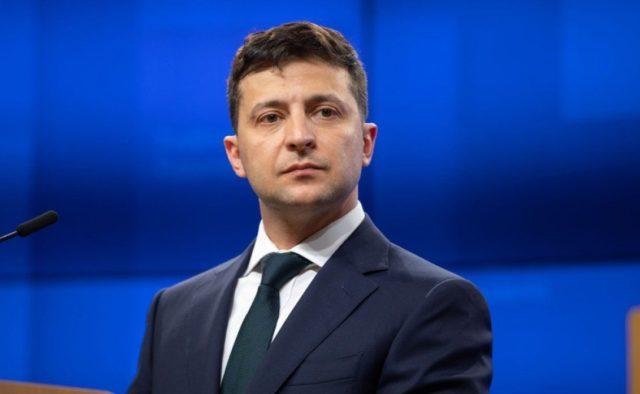 И снова головы летят: Зеленский освободил еще 14 председателей РГА. Не собирается останавливаться