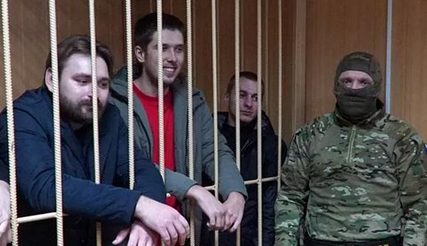 «Пока не увижу — не поверю»: родственники пленников съезжаются к офису украинского омбудсмена