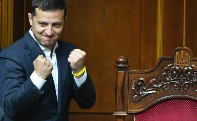«Это только начало, не переключайтесь!»: Зеленский мощно обратился к украинцам после триумфа в Раде