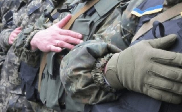 «Копай молча и не выкабенивайся»: ВСУ оскандалилось с очередным решением. Генералам «помощь нужнее»