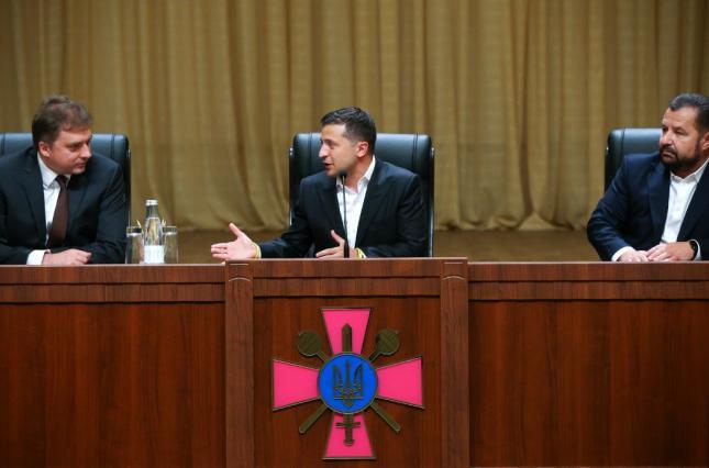 «Это выдумки!» Министр обороны высказался о связи с Зеленским и Коломойским