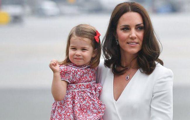 Будет девочка! Принцесса Шарлотта рассекретила интересное «положение» Кейт Миддлтон — СМИ