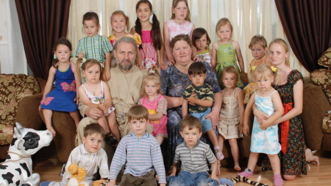«Визжали в подвалах»: московский поп в монастыре изнасиловал 7 детей. «Денег полно, выкрутится снова»