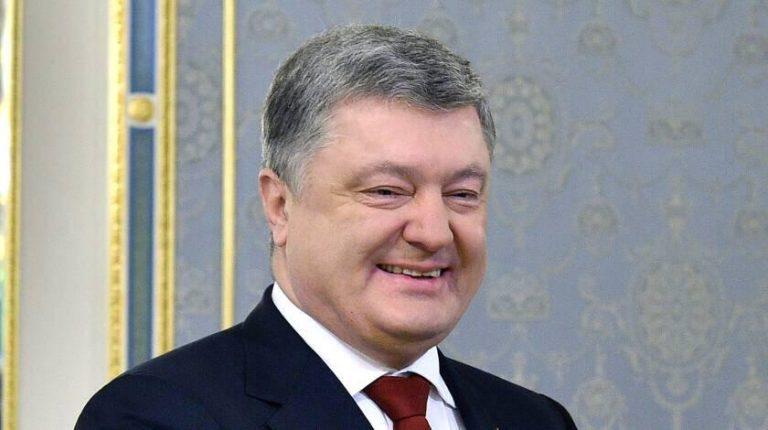 «Где миллиарды, где реформы?»: У Зеленского взялись за близкого друга Порошенко. Отчитаться за каждый евро