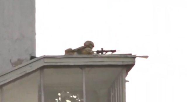 Готовятся к худшему! Снайперы подбираются к заминированному мосту в Киеве. Имя стрелка и роковые детали инцидента