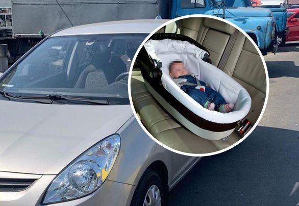 А сама пошла за покупками: В столице мать оставила ребенка в запертой машине в 30-градусную жару