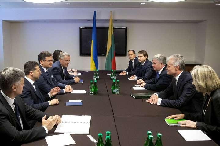 «Мы выбрали этот курс и будем делать реформы»: заявление Зеленского во время встречи с президентом Литвы